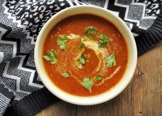 Zupa pomidorowa z bakłażanem