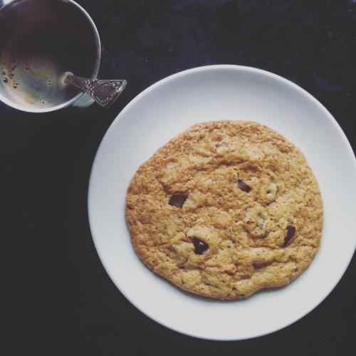Takie cuda mi wczoraj koledzy upiekli glutenfree cookies gf chocohellip